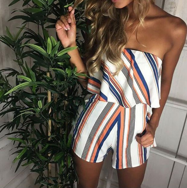 Stripe printed word shoulder jumpsuits that wipe a bosom